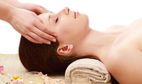 Massage giúp mẹ giảm stress, ngủ ngon hơn tinh thần sảng khoái sẽ mang lại nguồn sữa dồi dào cho con yêu của mẹ