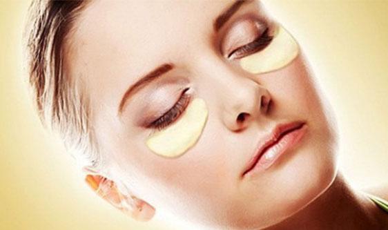 Hơ lá trầu không giúp mắt sáng và hết sưng. sử dụng nước hoa hồng hoặc dưa leo đắp mắt giúp giảm tình trạng nhức mỏi, loại bỏ bọng mắt và quầng thâm